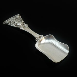 Scottish Provincial Silver Caddy Spoon, Alexander Ritchie, IONA 1914