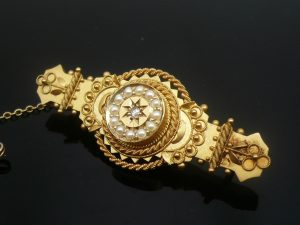 Antique 15ct Gold Brooch with Diamond & Seed Pearls