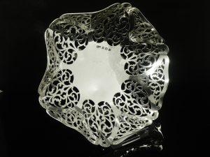 Pierced Work Silver Dish, Duncan & Scobbie 1913