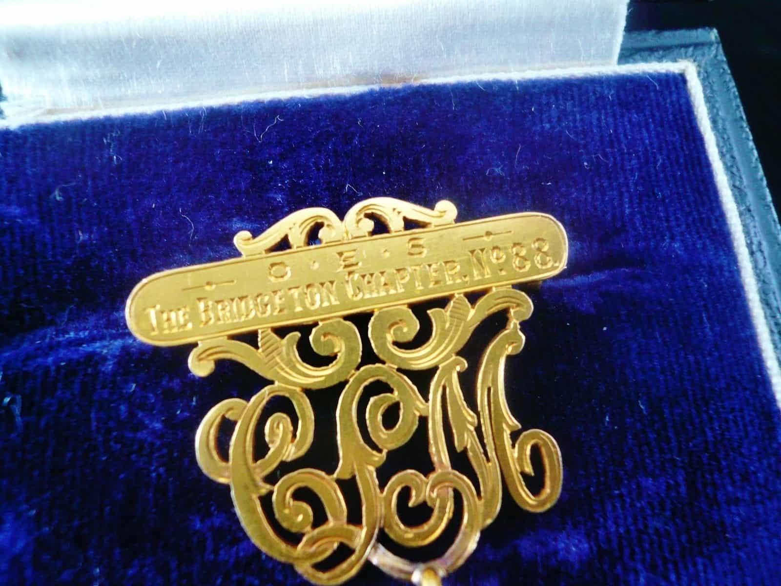 18ct Gold Masonic Order of the Eastern Star Breast Jewel, (cased) Bridgeton  Chapter no88