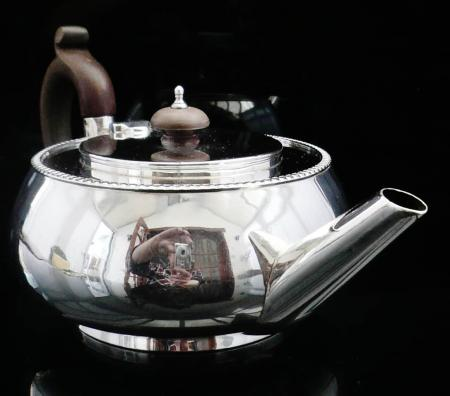 Silver Teapot, London 1920, Wakely & Wheeler