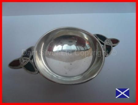 Very Rare Hallmarked Silver & Agate Quaich 1913