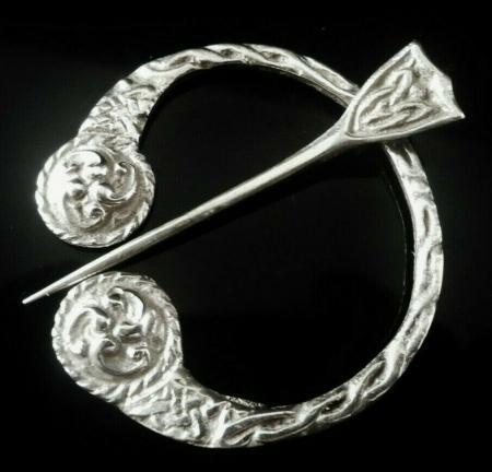 Silver Pennanular Shawl Brooch